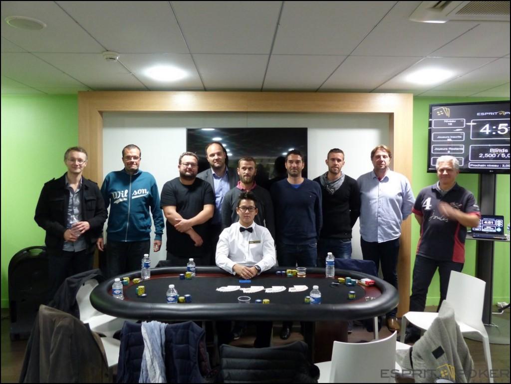 La Table finale avec les 9 derniers participants.
